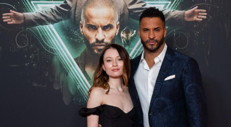 American Gods: Emily Browning en Ricky Whittle (Foto: Oliver Bodmer)