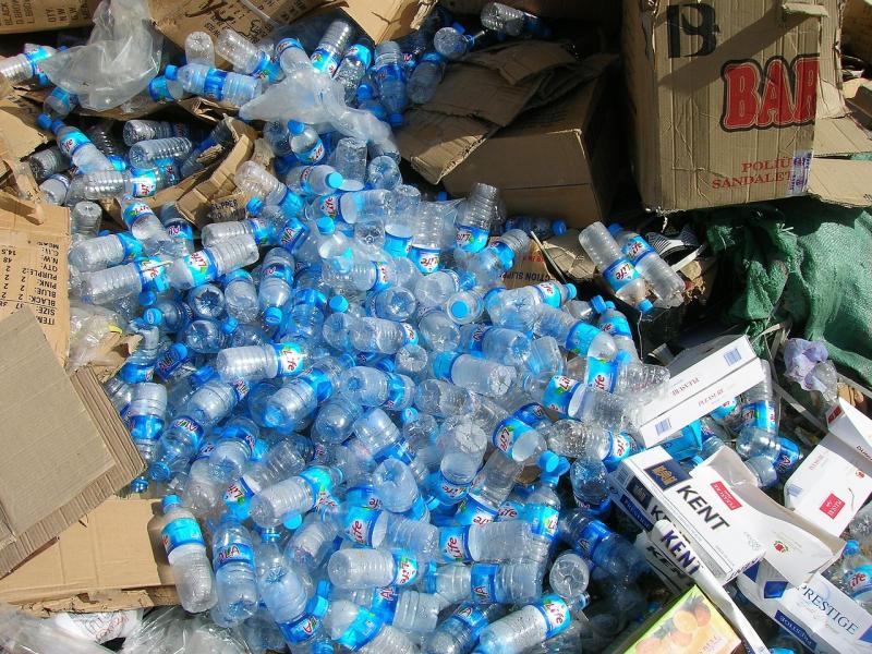 Steeds minder recyclebaar plastic afval naar China (Foto: Pixabay)