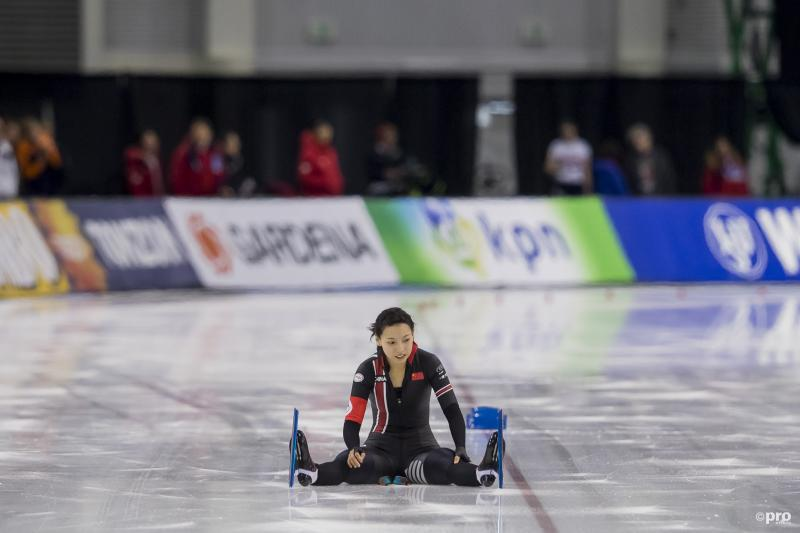 Wat is er met Qishi Li gaande tijdens de World Cup finales in Salt Lake City? (Pro Shots / Erik Pasman)