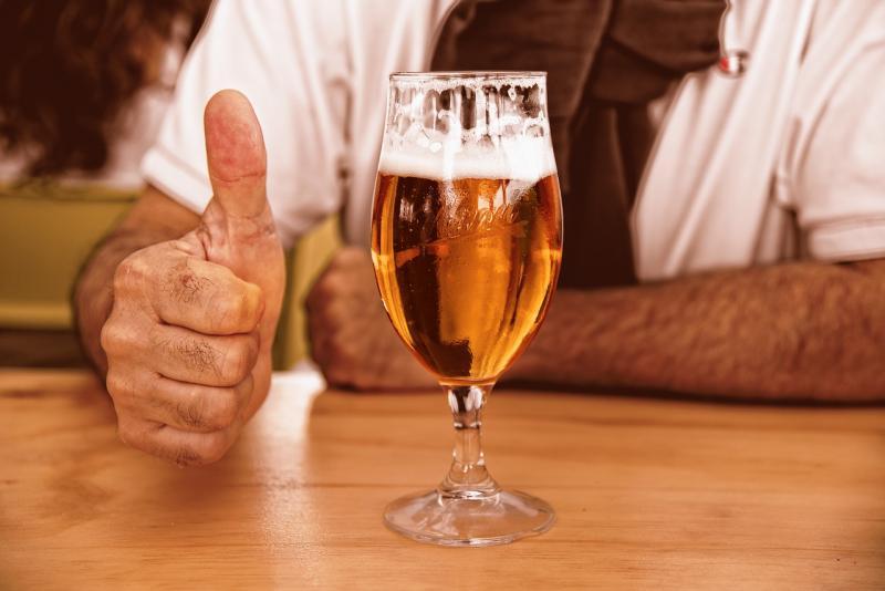 Thuisbezorgers moeten strenger controleren bij verkoop alcohol (Afbeelding ter illustratie: Pixabay)
