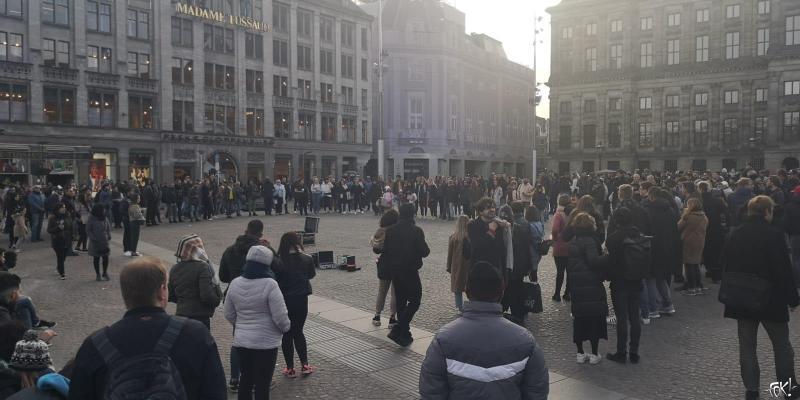 ACTA op De Dam: het publiek van 'de damschreeuwer' (Foto: FOK!)