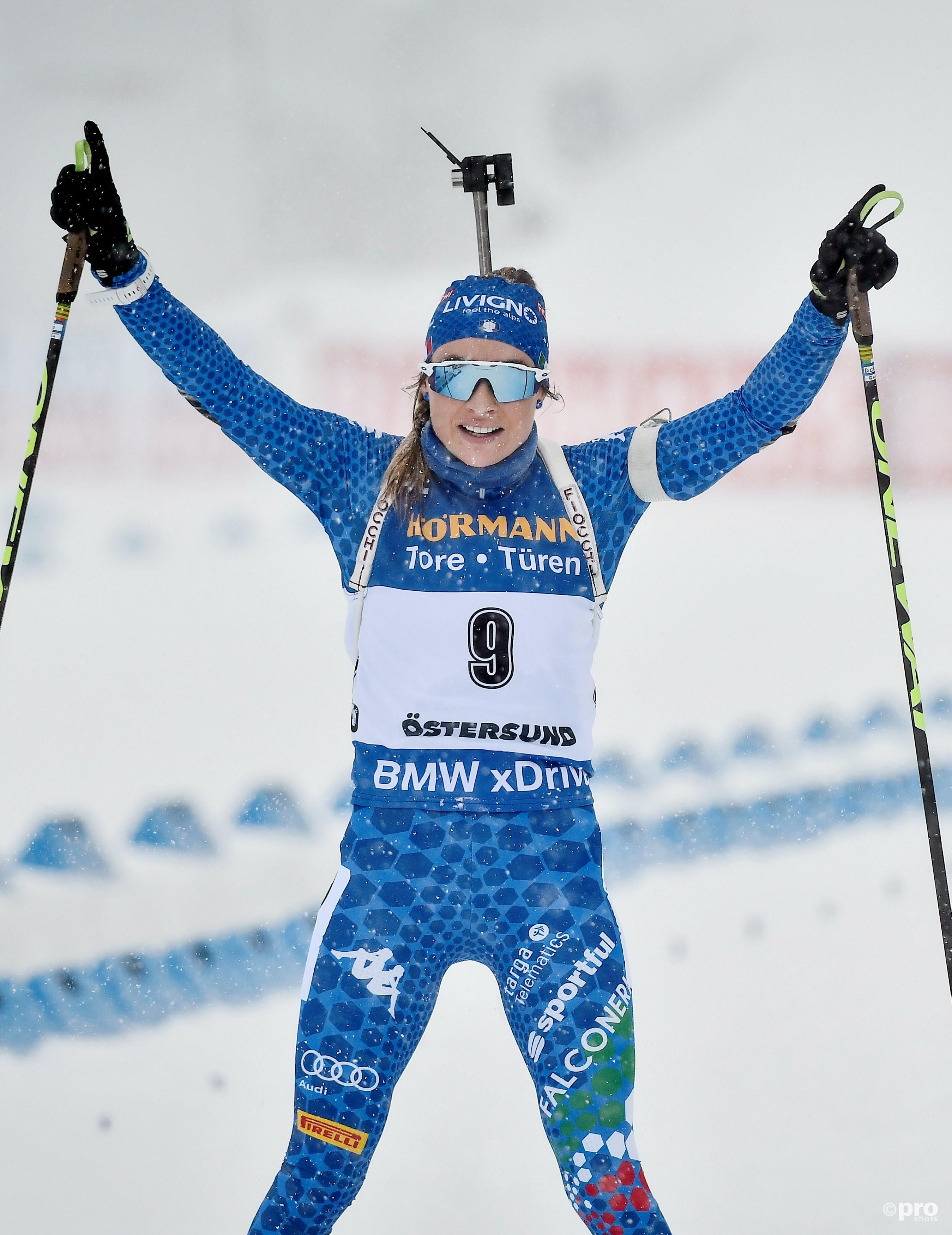 Een week na haar eerste grote gouden medaille, ze won WK-goud op de massastart, pakte Wierer ook haar eerste World Cup-titel (Foto: Pro Shots/Action Images)