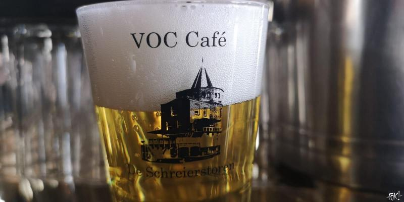 VOC Café de Schreierstoren laat VOC vallen  (Foto: FOK!)