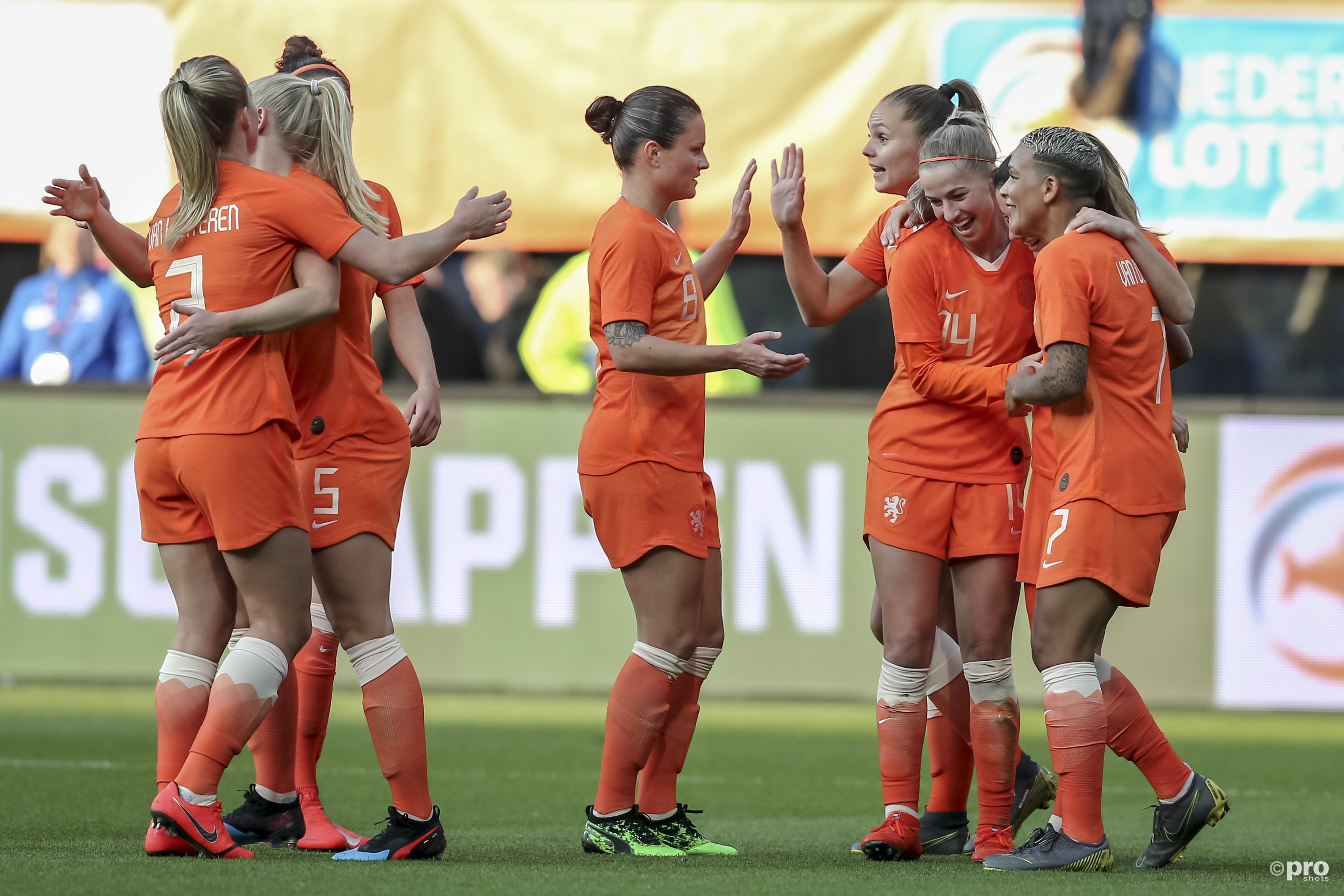 Nederlands elftal zonder problemen langs Chili. (PRO SHOTS/Remko Kool)