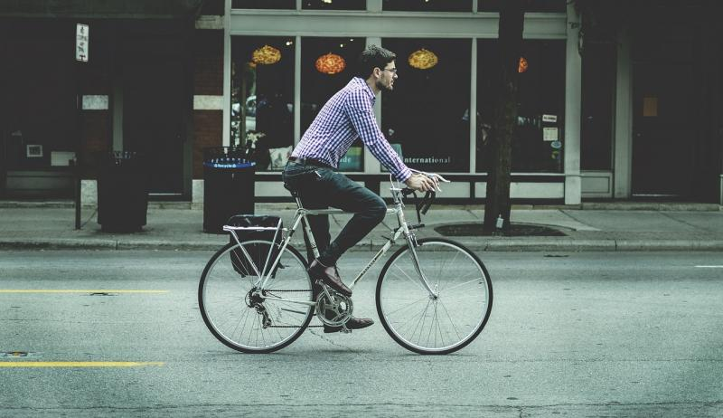 Een man op een fiets (Foto ter illustratie:  Pixabay)