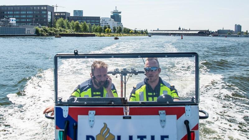 Ook op het water mag je niet te diep in het glaasje kijken (Foto Politie)