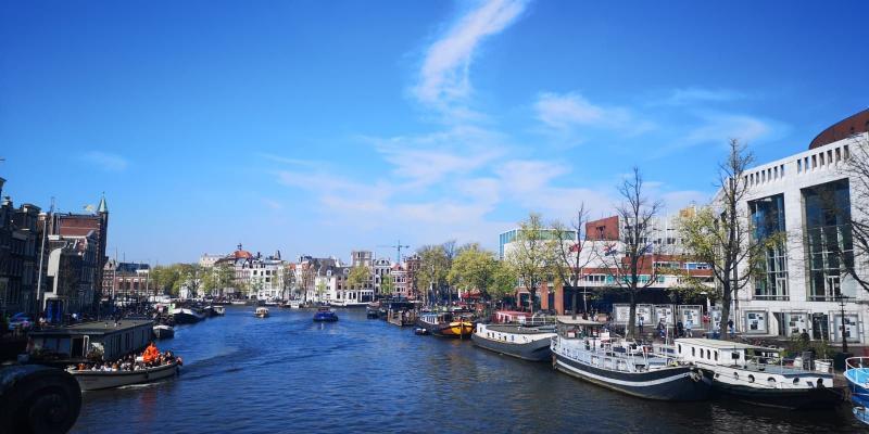 Amsterdam in het zonnetje (Foto: DJMO)
