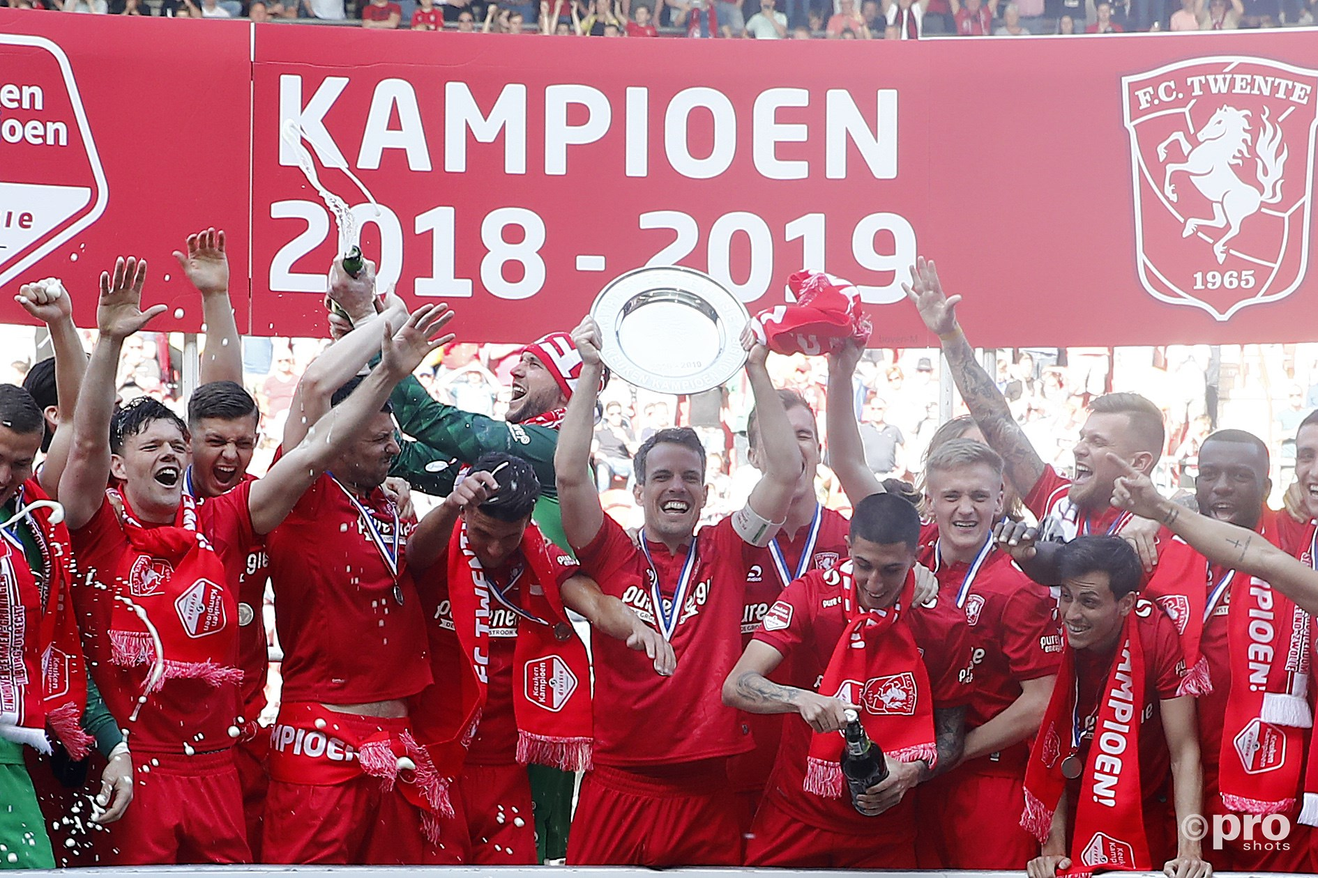 FC Twente kampioen. (PRO SHOTS/Michael Bulder)