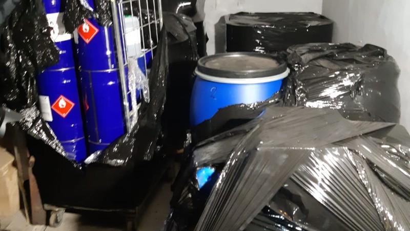 Politie rolt drugslab in garagebox op; drie arrestaties (Foto: Politie)