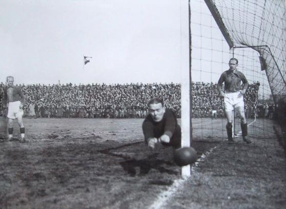ADO Den Haag werd in de oorlog twee keer kampioen van Nederland (Foto uit collectie ADO Den Haag)