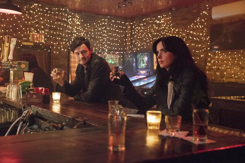 Jessica Jones: Benjamin Walker en Krysten Ritter (Foto: David Giesbrecht/Netflix)