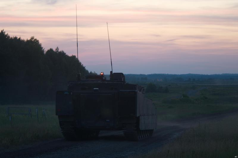 De CV90 laat in de avond (Foto: FOK!)