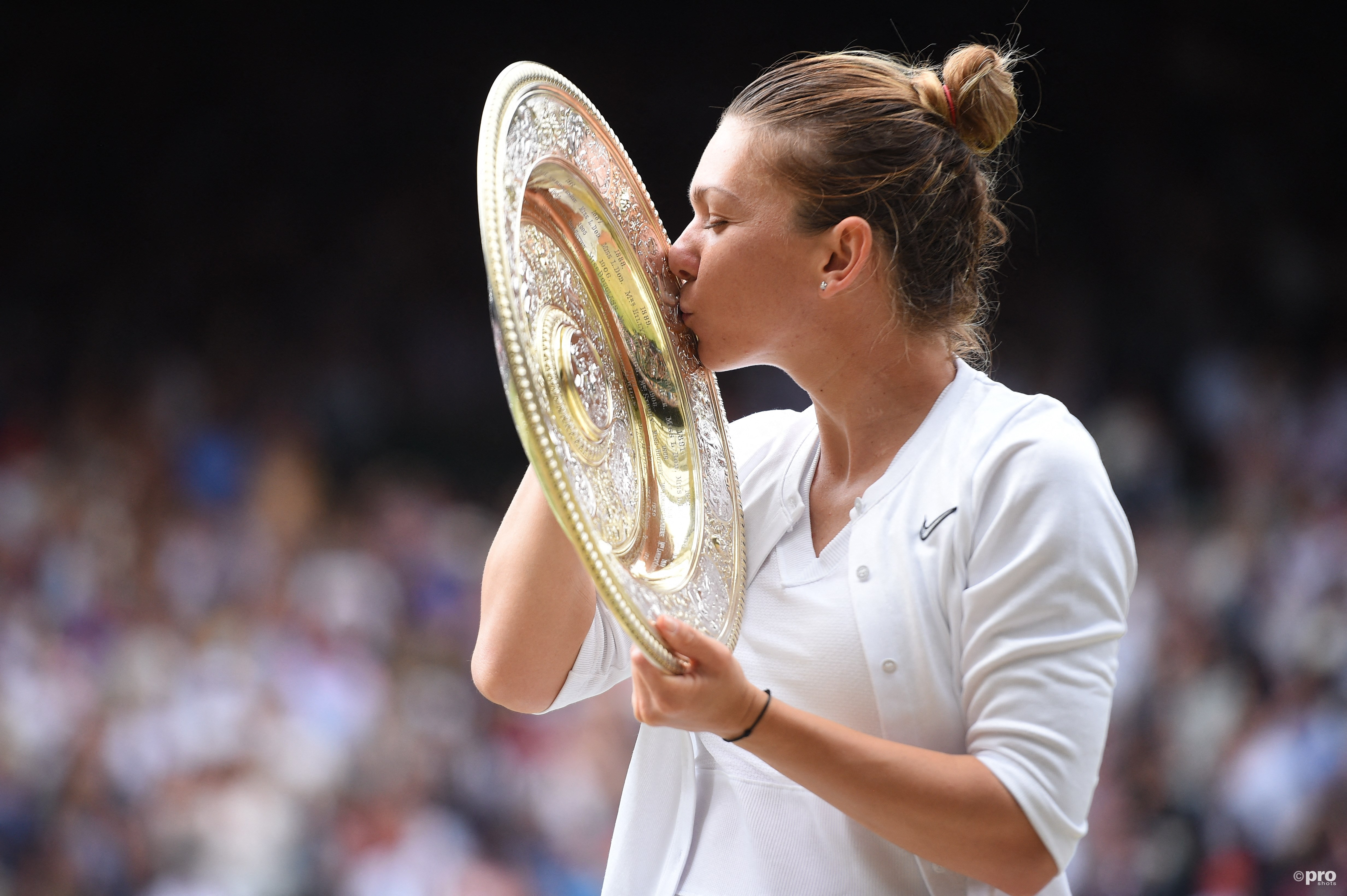 Halep wint Wimbledon. (PRO SHOTS/SIPA USA)