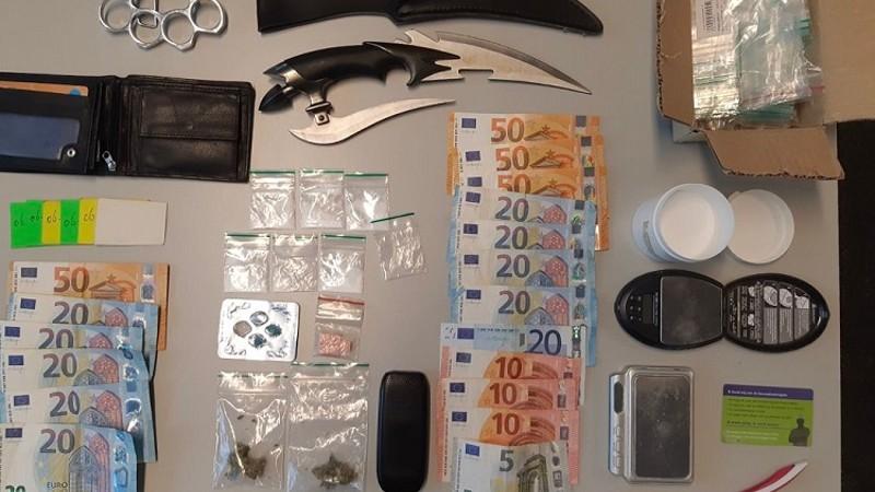 Politie vindt wapens en drugs bij inval na tips (Foto: Politie)