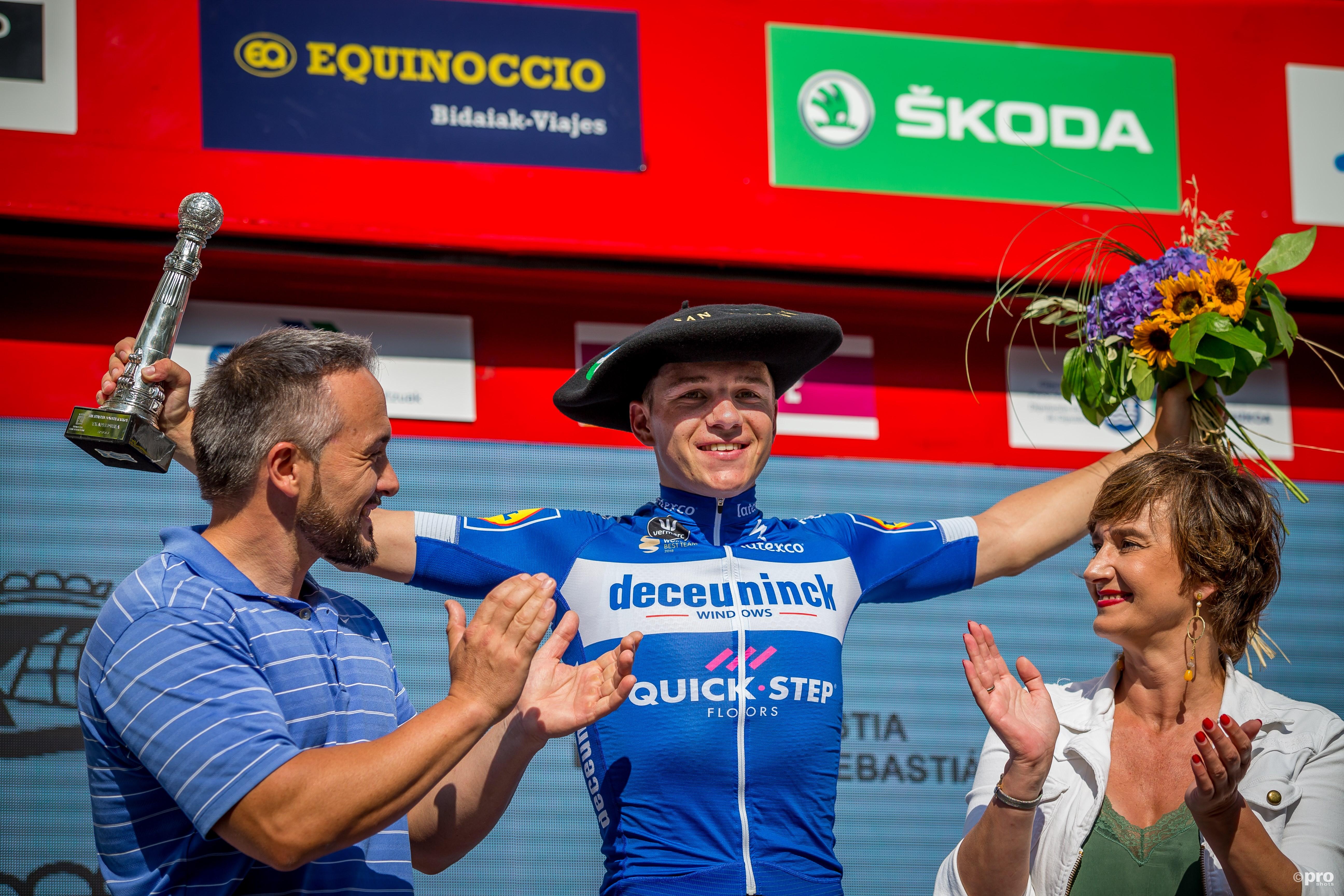Evenepoel wint de 'Klasikoa'. (PRO SHOTS/Pita USA)