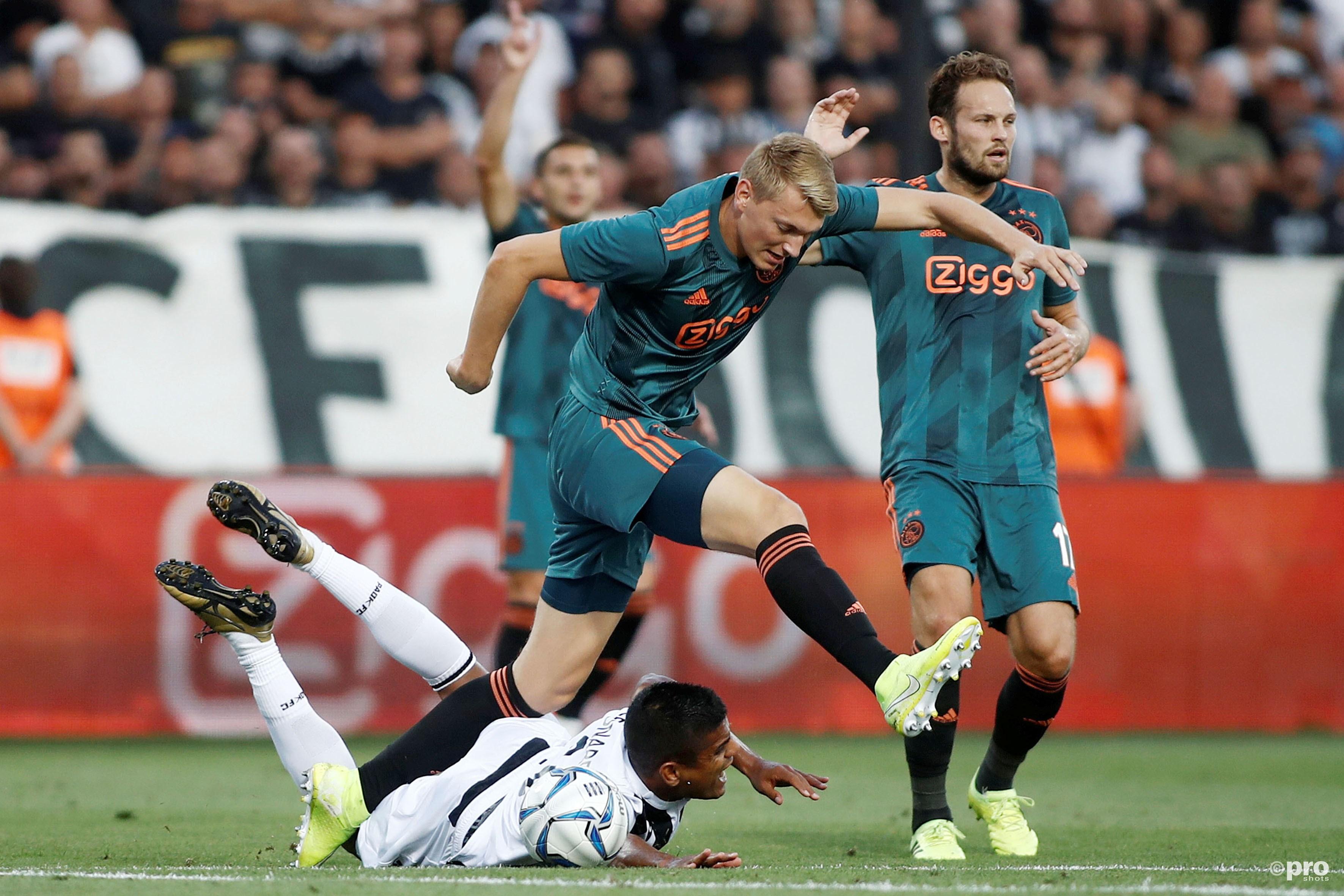 Ajax herpakt zich en boekt hoopgevend resultaat in Griekenland (Ajax herpakt zich en boekt hoopgevend resultaat in Griekenland (Pro Shots / Intime)