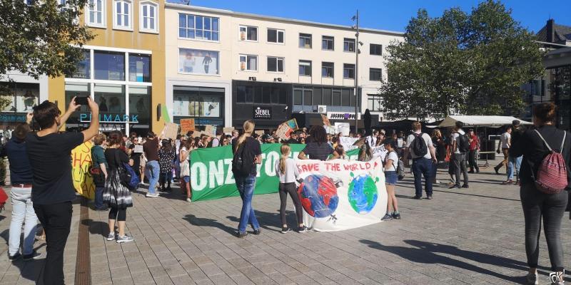 Klimaatstaking Nijmegen  (Foto: FOK!)