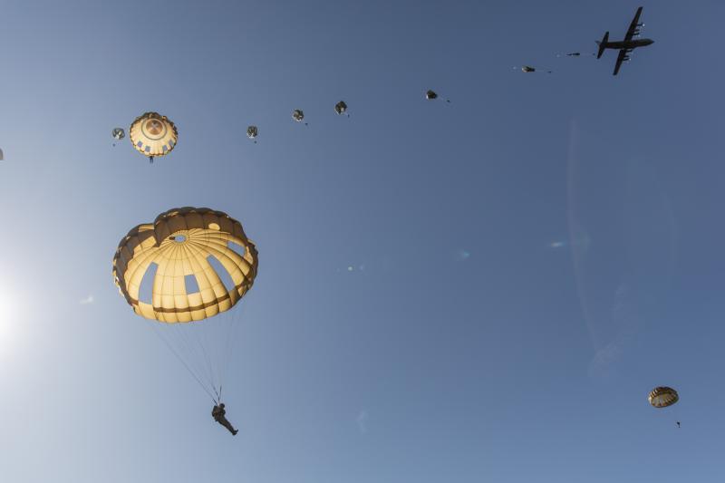 Ook anno 2019 zijn airborne operaties nog altijd zeer relevant. (Foto: Defensie) (Foto: Defensie)