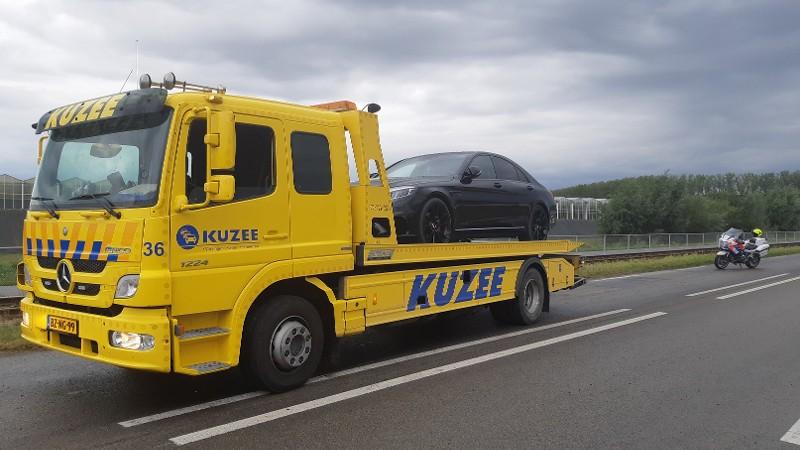 Auto in beslag genomen bij mogelijke straatrace (Afbeelding: Politie)