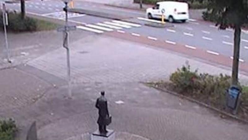 Moordenaar Derk Wiersum waarschijnlijk gevlucht in witte bestelauto (Afbeelding: Politie)