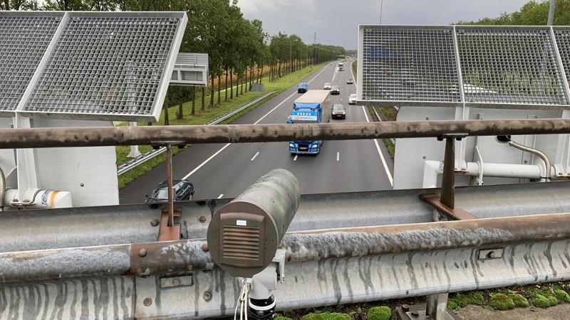 Inzet slimme camera´s tegen afleiding in het verkeer (Afbeelding: Politie)