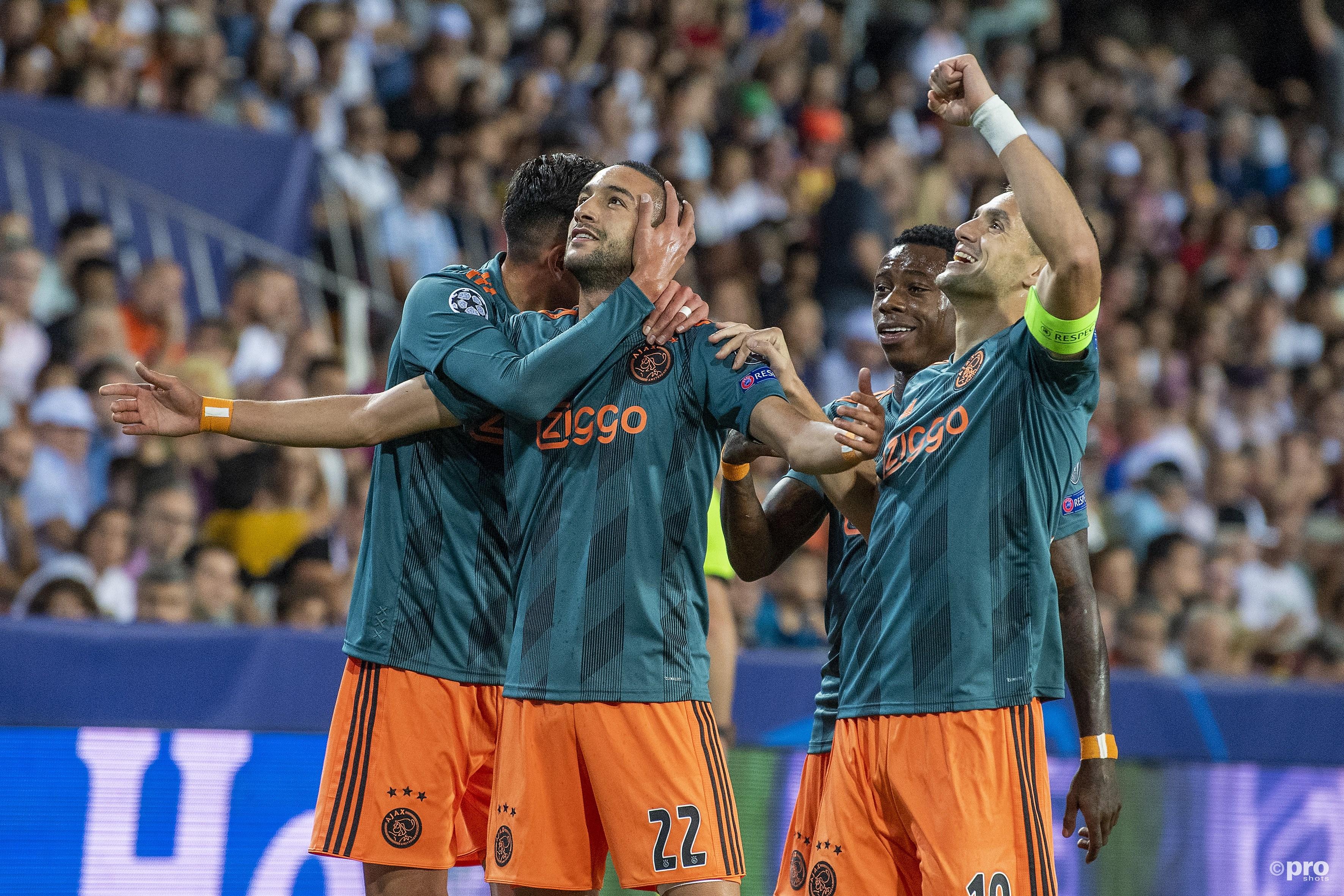 Effectief Ajax boekt knappe zege in Valencia (Pro Shots / Jasper Ruhe)