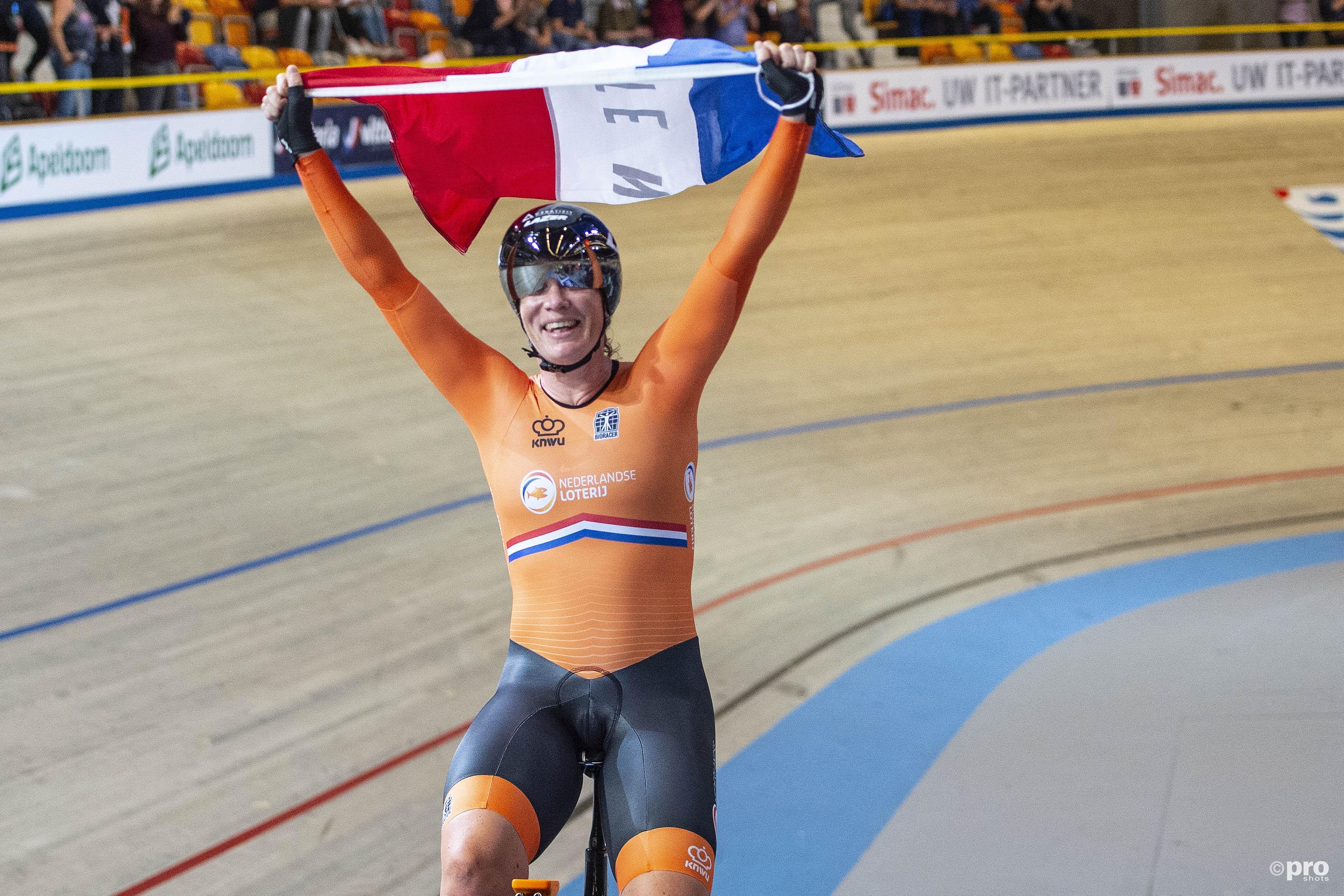 Kirsten Wild wint de afvalkoers. (PRO SHOTS/Paul Meima)