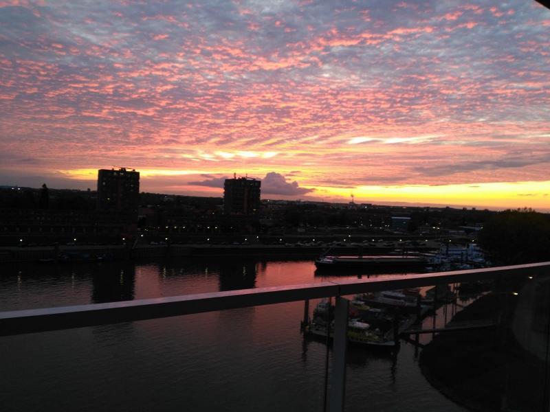 Nijmegen, dinsdagavond (Foto: Rewimo)