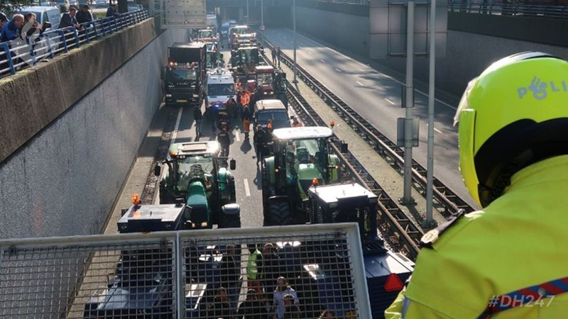 26 aanhoudingen tijdens #bouwprotest Den Haag (afbeelding: Politie)