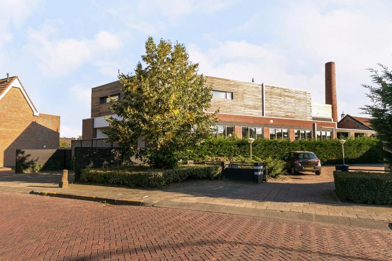 Industrieel wonen in Oosterhout  (Foto: Funda)