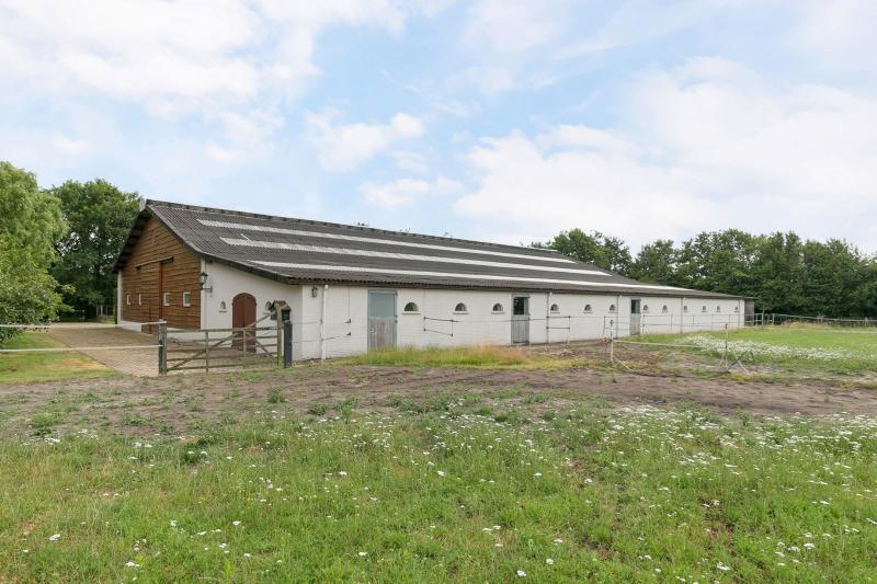 Manege aan huis in Waalre (Foto: Funda)