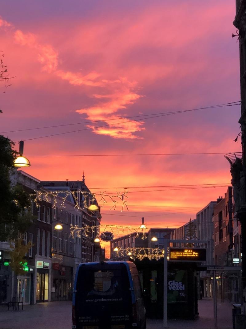 Een fraaie zonsopkomst vandaag in Nijmegen (Foto: Charged)