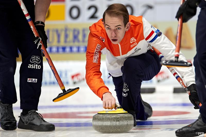 Nederland verslaat Denemarken op EK curling (Pro Shots / Action Images)