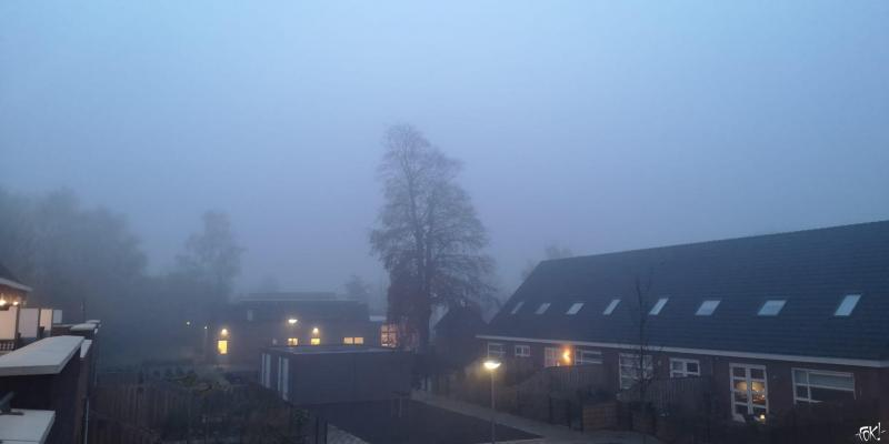 Het werd ineens flink mistig in Wognum  (Foto: FOK!)