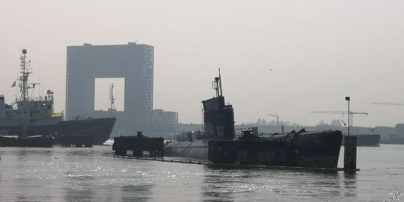 Laatste voorbereidingen voor verplaatsen onderzeeër NDSM-werf