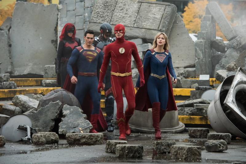 Crisis on Infinite Earths: Batwoman, Superman, The Atom, The Flash en Supergirl