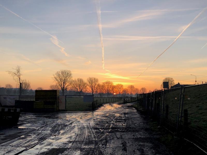 Zonsopkomst in Katwijk (bij Cuijk) (Foto: Charged)