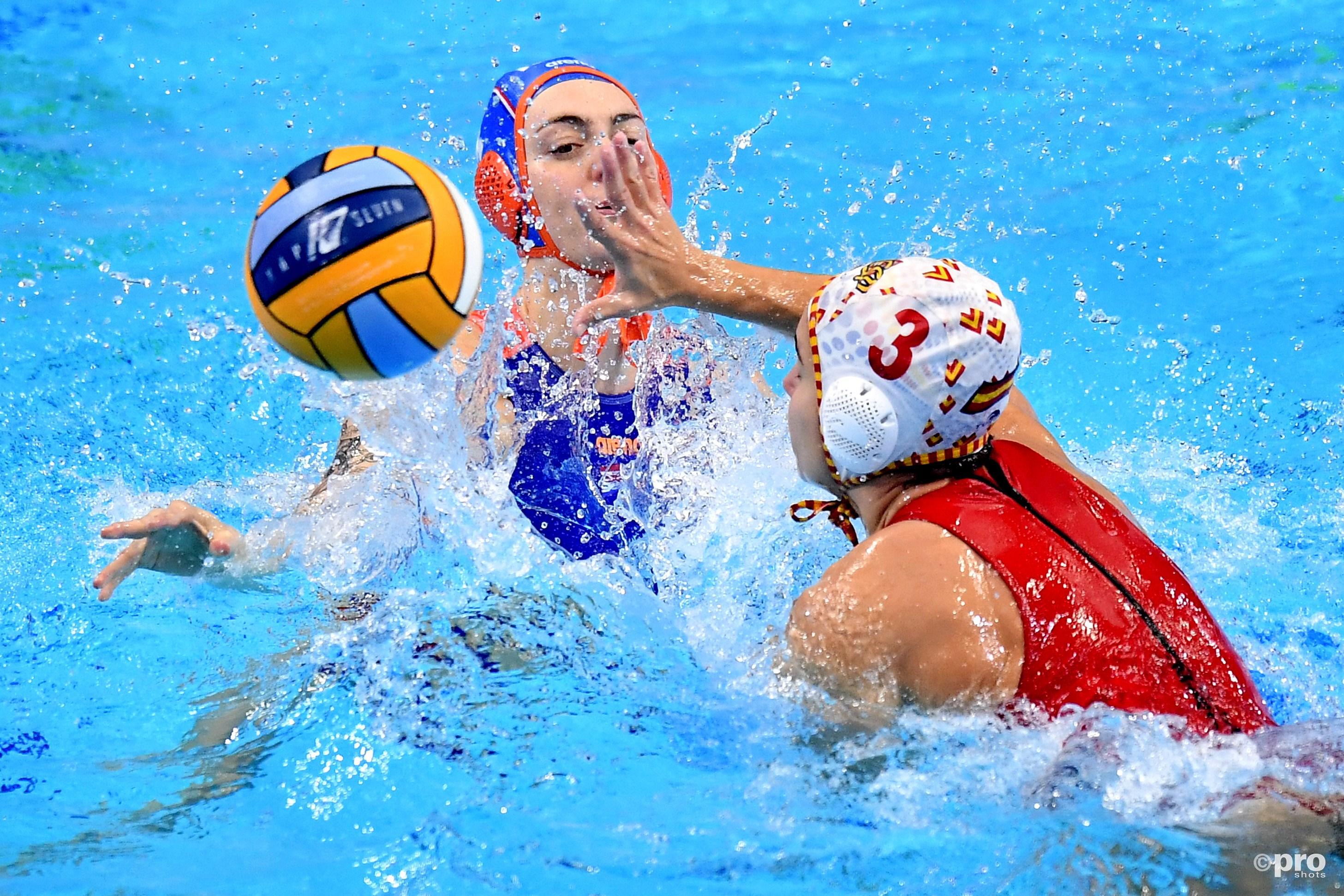 Waterpolosters na winst op Spanje als groepswinnaar naar kwartfinales EK (Pro Shots / Insidefoto)