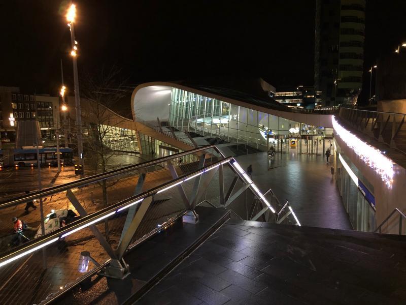 Het station van Arnhem (Foto: Charged)