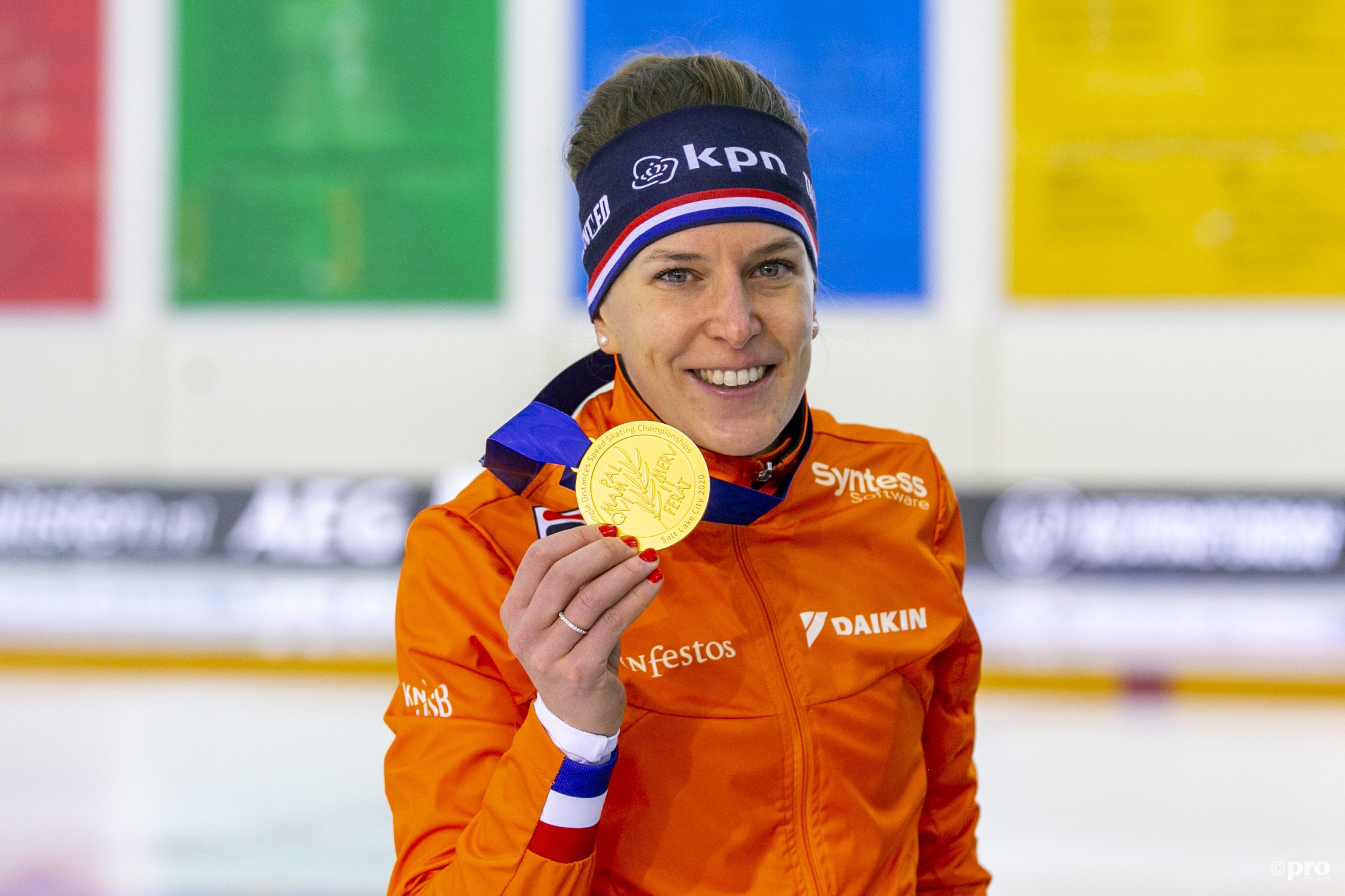 Ireen Wust voor de vijfde maal de beste op de schaatsmijl. (PRO SHOTS/Erik Pasman)
