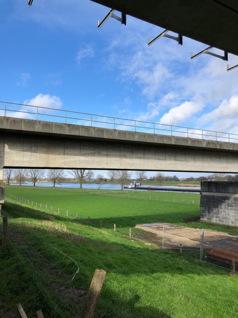 Charged was bij de bouw van een nieuwe fietsbrug tussen Mook en Cuijk
