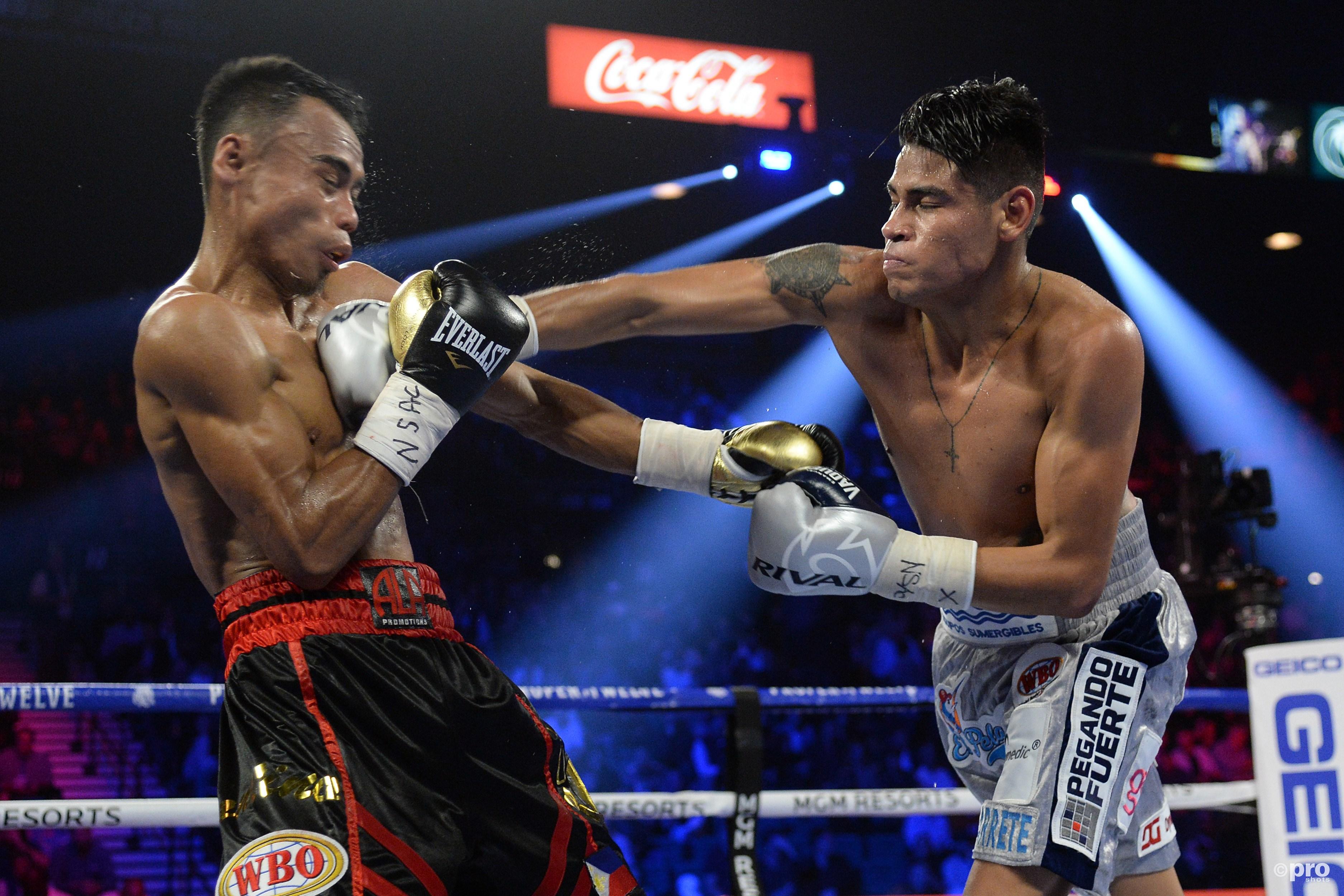 Navarrete slaat toe tegen Santisima (Pro Shots/SIPA USA)