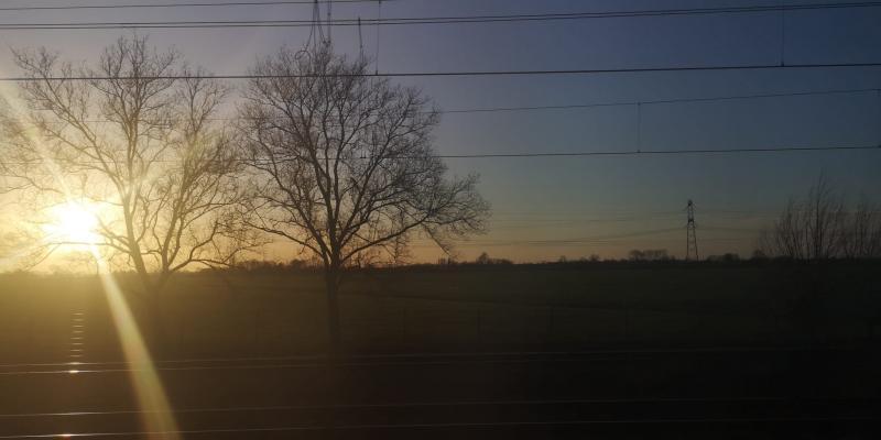 Omstreeks half 6, in de trein naar Amsterdam.