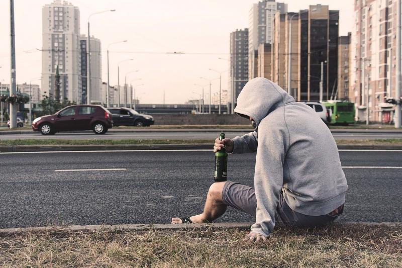 Alcohol maakt meer kapot dan je lief is (Afbeelding ter illustratie: Pixabay)