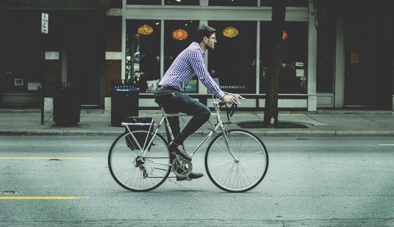 Op de fiets naar het werk. (Foto: Pixabay)