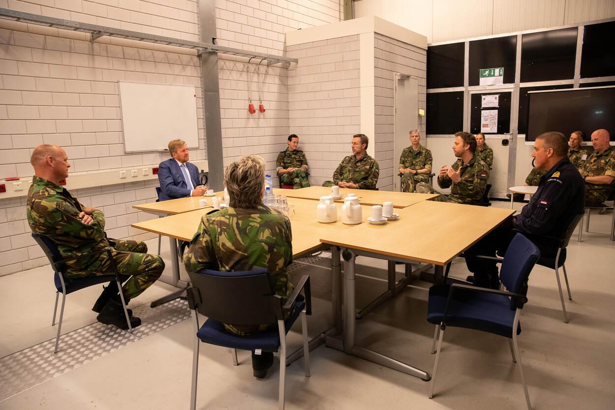 Koning bezoekt Territoriaal Operatiecentrum (foto: Ministerie van Defensie)