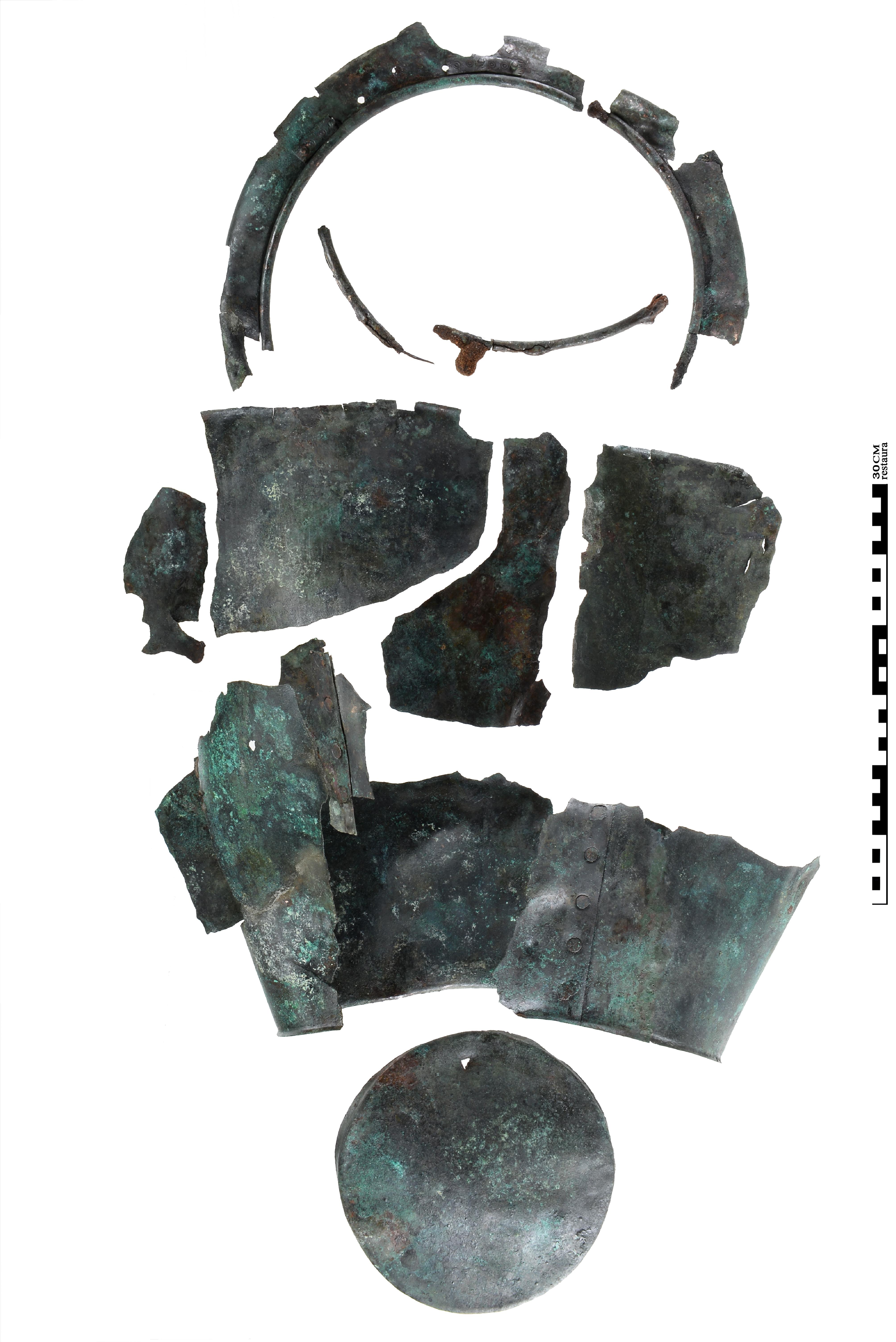 Ritueel vernietigde bronzen situla (Restaura/Museum Het Valkhof, Nijmegen)