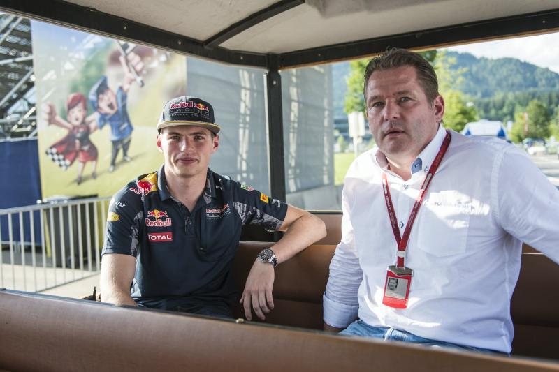 """J. Verstappen: """"Ik dat we nét achter Mercedes zitten"""" (Red Bull Content Pool)"""
