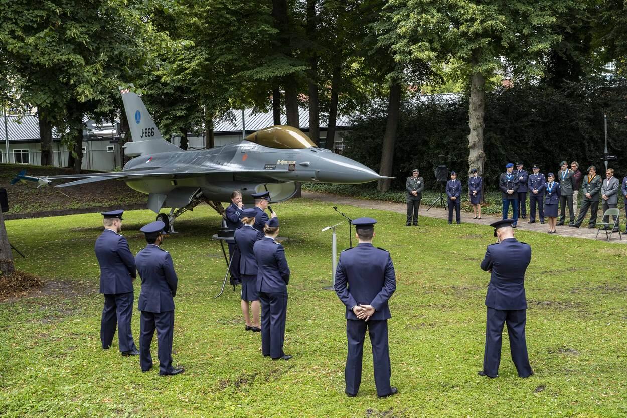 F-16 als 'poortwachter' op de KMA. (foto: Ministerie van Defensie)