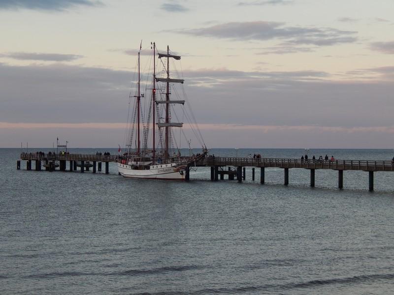 Het schip Loth Lorien bij Binz op het eiland Rügen (Foto: bazbo)